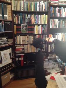 Strindberg får gömma sig bakom förslag till bokomslag. Och skrivbordet står näst i tur att röjas.